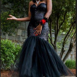 Dresses & Skirts - Formal Prom Dress